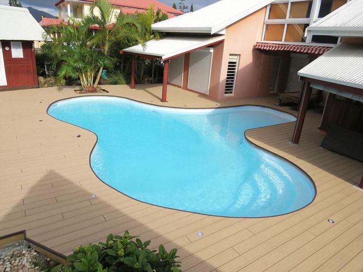 Ocewood plage de piscine tropicale en bois composite optima plus moka cr dits oc wood - Pourtour de piscine ...