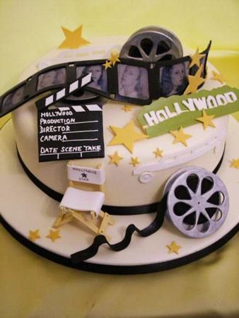 Love the detail on this Hollywood cake.