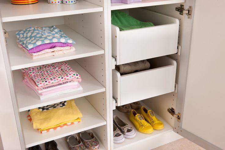 Flatpax modern white wardrobe cabinet with shelves and drawers. #wardrobe #wardrobeinterior #flatpackwardrobe #wardrobeshelves #wardrobedrawers #whitewardrobe