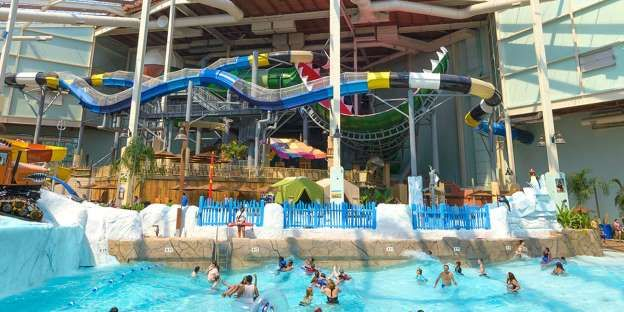 Looking For Cheap Vacation Ideas We Have The Destinations For You Indoor Waterpark Water Park Indoor Water Park Resorts