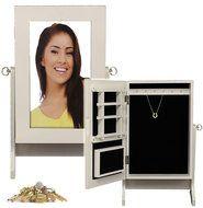 Déluxa Luxe sieradenbox met spiegel (30,5x19,5x20) Een fraaie sieradenbox bekleed met zwart kunstleer in dierenhuid print. Deze koffer is ideaal voor het opbergen van horloges, kettingen, oorb...