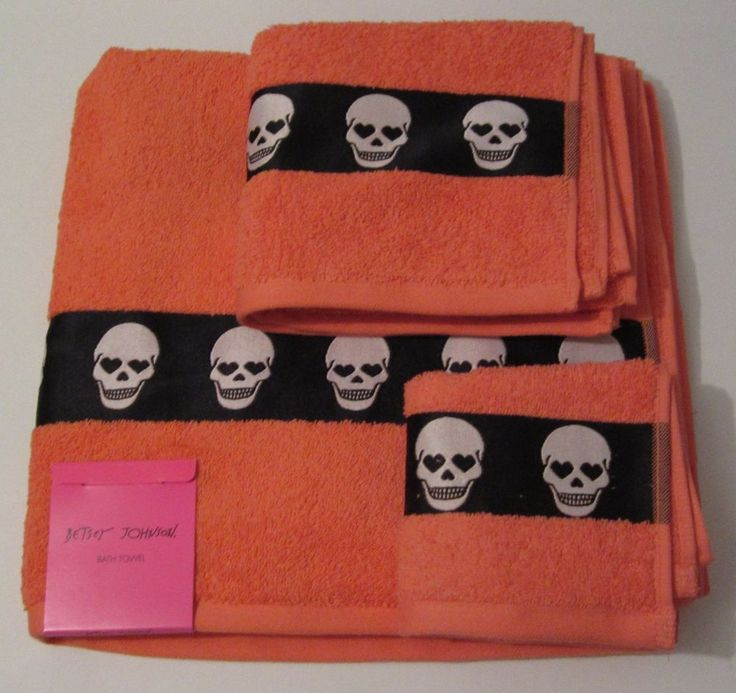 betsey johnson totally skulls bath towel 3 piece set orange - Halloween Bath Towels
