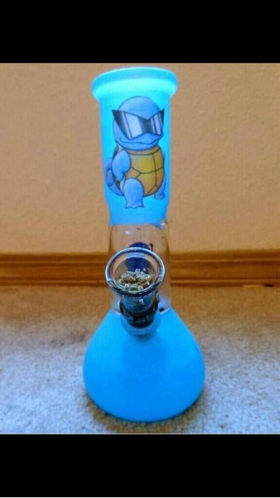 Cool Squirtle bong!
