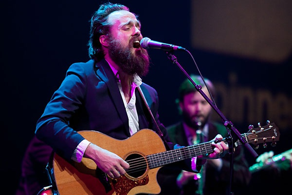 Iron and Wine performing with a Beta 58 at 2013 SXSW
