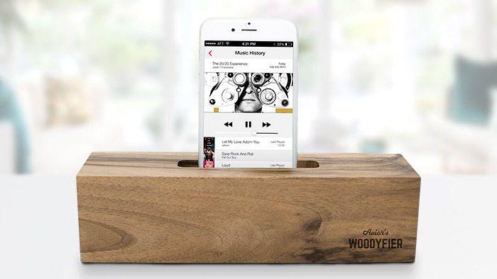 Woodyfier je český dřevěný zesilovač hudby z mobilu