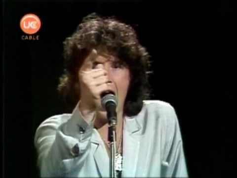 """Quiero Dormir Cansado,"" Emmanuel. Written by Manuel Alejandro, from the wonderful ""Intimamente"" CD. 1981"