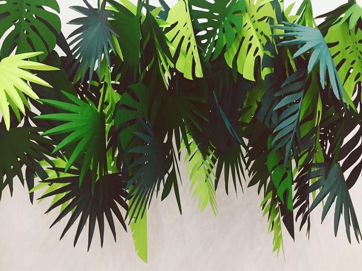 Начало весны, а у нас жара, тропики  #бумажныйдекор#бумажныйарт#листья#тропики#тропическиелистья#тропики#лазерныйстанок#вырезка#листья#декорации#искусство#creative_decor#decoration#leaves#tropics#paperart#paperdecor#lazercut