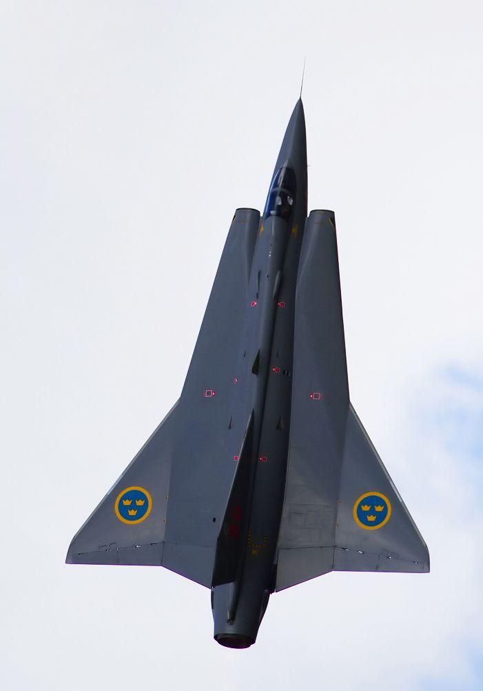 Saab Draken, subiendo con fuerza.