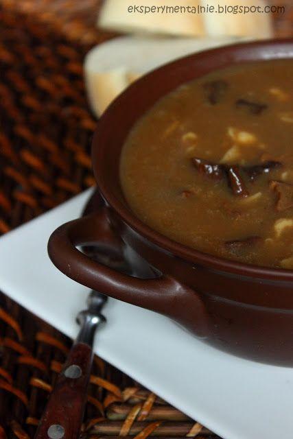 Zupe grzybową z suszonych grzybów moge jeść przez cały rok. Z makaronem lub lanymi kluseczkami. Zupa grzybowa z suszonych grzybów jest pyszna!