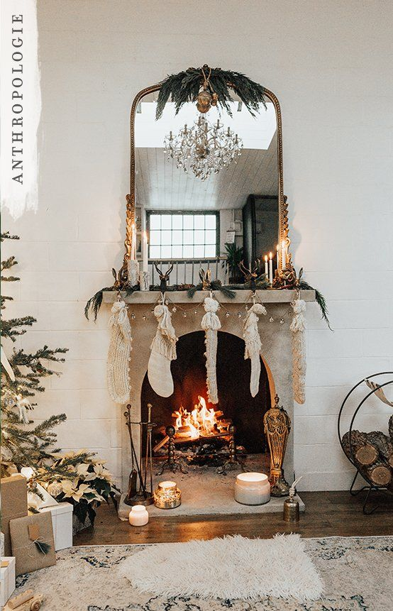 Beyond love this neutral Christmas decor looking subtly French! And that mirror!!!