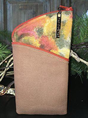 Clobird Tulip with extra zip as binding on pocket.