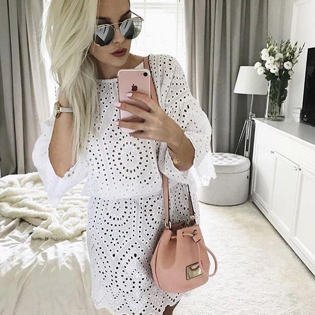 Ajjjjj lato, lato... ostatni miesiąc ... a ta tunika tak barfzo idealna na lato ☀️☀️☀️@mirabelove wygląda bosko🔥🔥🔥🔥🛍🛍🛍🛍RABAT nadal trwa! Hasło: szokrabat 👉👉👉www.mosquito.pl ➡️aż 20% taniej!!!! #ootd #wwwmosquitopl #onlinestore #shoppingtime #onlineshopping #style #stylizacja #sukienka #sukienkanalato #sukienkamosquito #sukienkanawakacje #ażurowa #białasukienka #summer #positivevibes #lato #wakacje #2017❤️ #hot #blogger #instagirl #polishgirl #wwwmosquitopl #mosquito #madeinpoland…