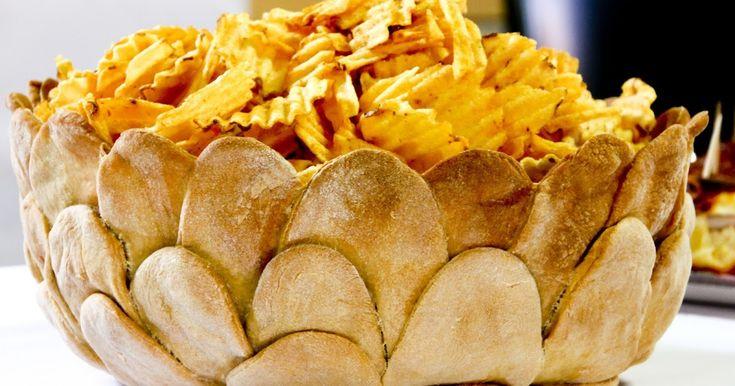 Ecco qui una simpatica ciotola di pane per servire quello che volete, anche l'insalata.  Ricetta presa dal libro di SARA PAPA