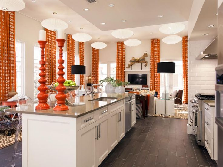 """It's no surprise that David Bromstad is all about color! But don't limit it to the walls: """"Adding your beach colors with accents and accessories really makes a huge impact,"""" David says."""