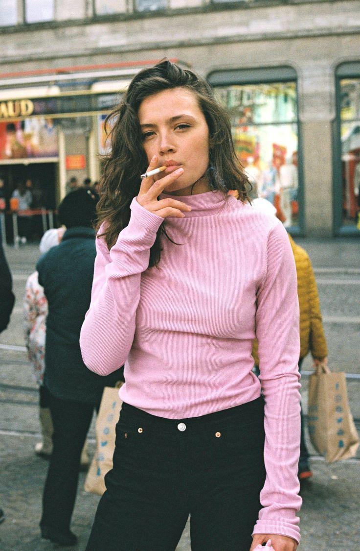 Analog portrait of super model Lauren Visser shot on 35mm film by Fauve Bouwman for Stieglitz. www.fauve-bouwman.com