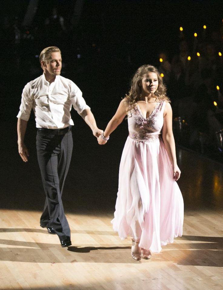 bindi irwin dancing with the stars | Dancing With The Stars' Pro Derek Hough Gives Bindi Irwin's ...