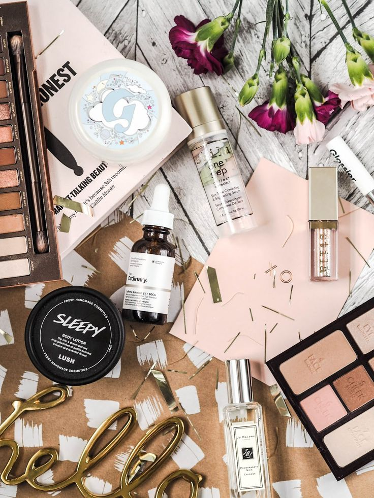 My 2017 Beauty Products.   I know it is probably a little late to be doing a 2017 review kinda post but better late than never right? Also this post has taken me a little longer to write because I wanted to make sure that these products were thee best of the best if you catch my drift?  I spoke about the Moon Mask in my recent Glossier post. This mask has been a game changer for me. It leaves my skin smooth and plumped and just generally refreshed. I try and apply it at night after I have…