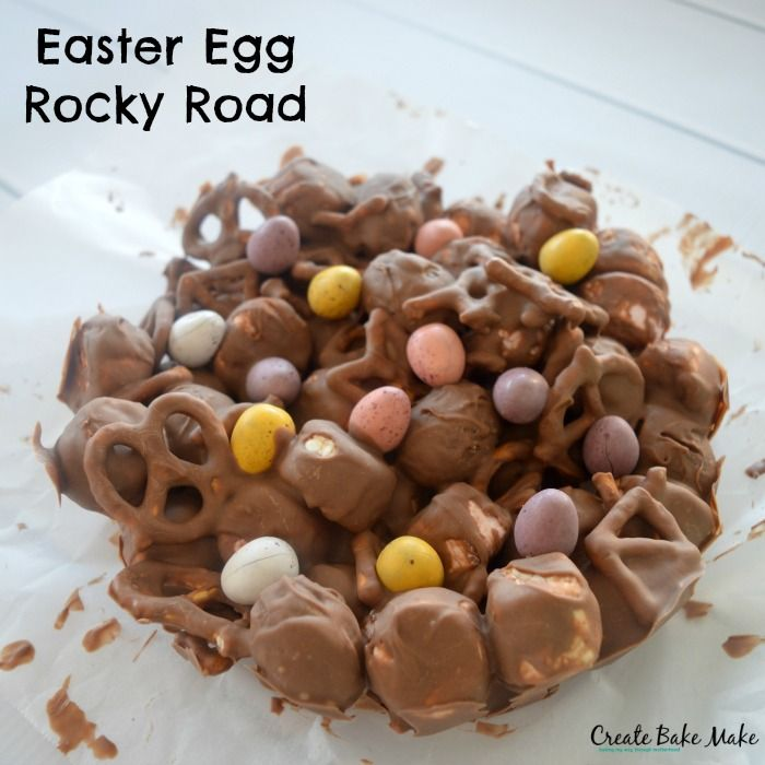 When I started to think about making an Easter rocky road creation, naturally it had to include caramel easter eggs so my 'Caramel Easter Egg Rocky Road' was born.