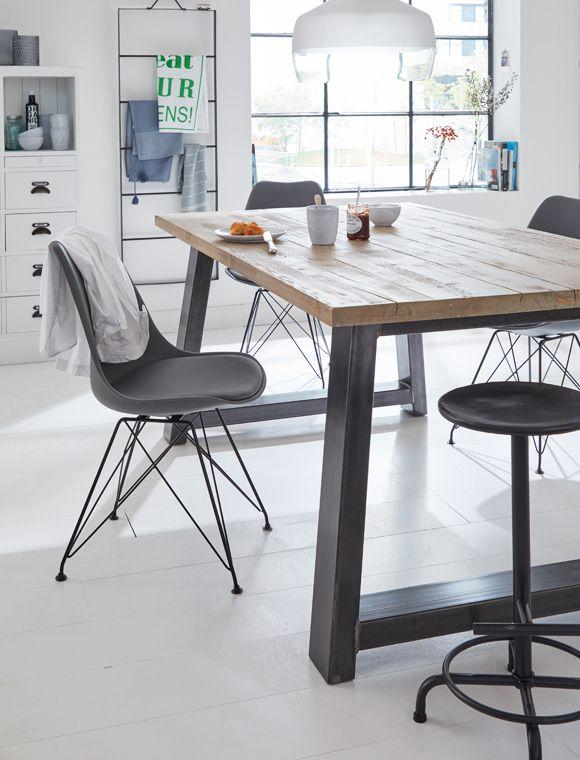 Tisch Kieferholz Tische In 2019 Gartentisch Holz Rustikaler
