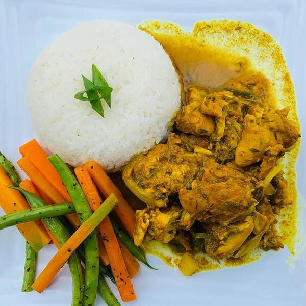 Sports Bar Jamaica Restaurant And Lounge An Oasis In Kingston Jamaican Recipes Food And Drink Sports Bar