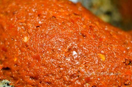 Basic Red Curry Paste is used for making 'gang kua', a curry similar to red curries. It is also used as a building block for other curry pastes such as Red Curry Paste, prig king and panang.