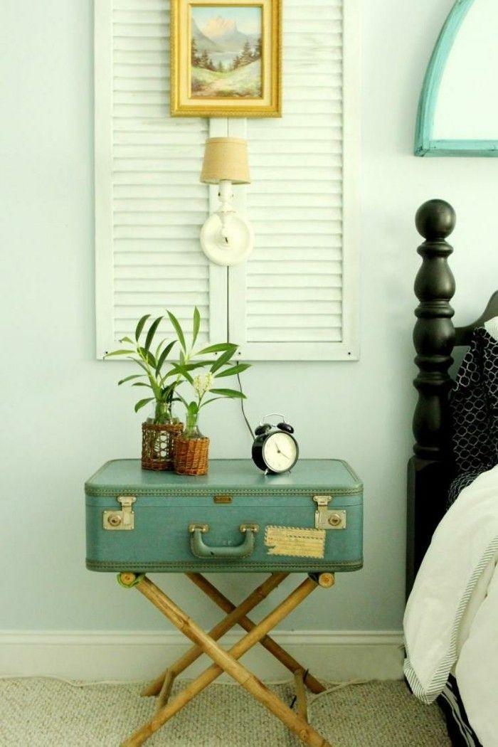 diy deko ideen nachtkonsole nachttisch beistelltisch alter koffer fensterläden schlafzimmer