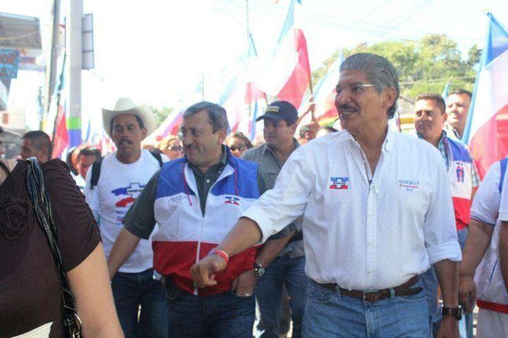 Norman Quijano futuro presidente de El Salvador en su visita a Ilobasco.