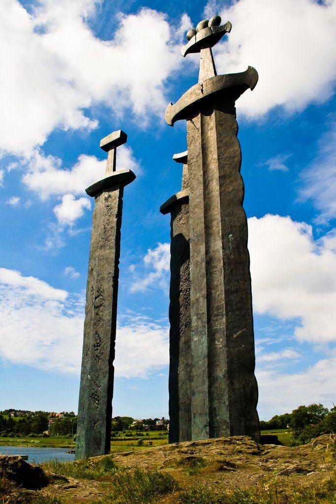 Viking Sword Monument - Sverd i fjell (Swords in Rock), Stavanger, Norway