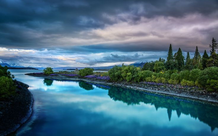 The beautiful and blue Lake Tekapo is one of the largest  in New Zealand! (photo: Trey Ratcliff)
