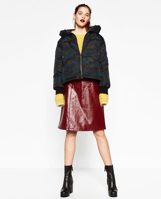 Imagem 1 de ANORAQUE CURTO CAMUFLAGEM da Zara