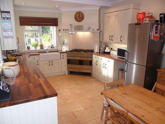 country kitchen butler sink corner oven kitchen. Black Bedroom Furniture Sets. Home Design Ideas