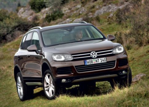 http://www.autocar7.net/2013-volkswagen-touareg-evaluation/  Airbag • Amp • Brakes • Differential • Differential Lock • Entrance View • Facet • Hydraulic Brake • Image Volkswagen • Indonesia Industry • Liter • New Vw Touareg • Rear Angle • Safety Characteristics • System Safety • Toughness • Volkswagen • Volkswagen Touareg • Volkswagen Wallpaper • Vw Touareg