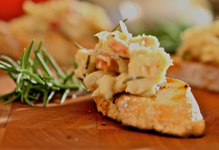 White Beans + Rosemary Crostini Appetizers recipes and ... Italian Appetizers Names