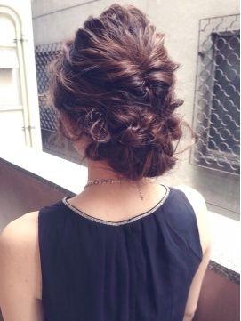 【簡単ヘアアレンジ・ミディアム編!】結婚式で可愛く魅せる、オススメのヘアスタイルカタログ♡ - Yahoo! BEAUTY