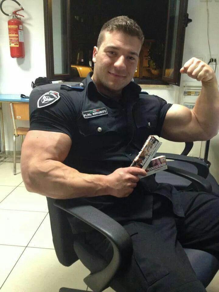 Hot Cops 46