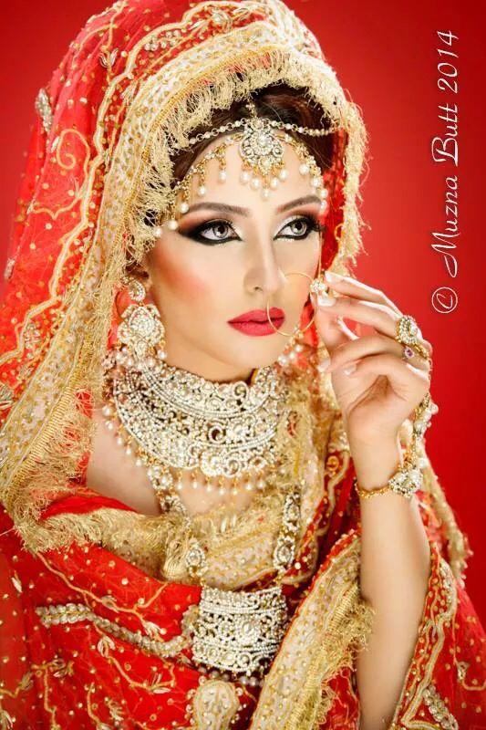 One of my fave modelling shots! Makeup & Hair: Kira Kair Mua Photography: Muzna Butt Model: Me   #modelling #asianbridal #redbridal #makeup