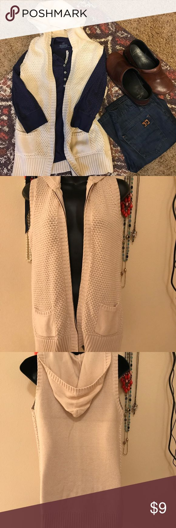Old Navy Knit Zip-up Vest ADORABLE Old Navy cream zip up hooded vest. Size XXL. 100% cotton. I can't find any signs of wear so this is in excellent condition!! Perfect for the upcoming chilly fall weather. From pet free/smoke free home!! Please let me know if you have any questions!!! 💜💜💜 Old Navy Jackets & Coats Vests