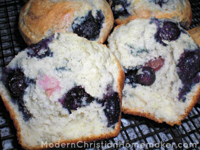 Rich Ultimate Blueberry Muffins