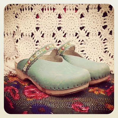 mod podge ribbon onto shoes