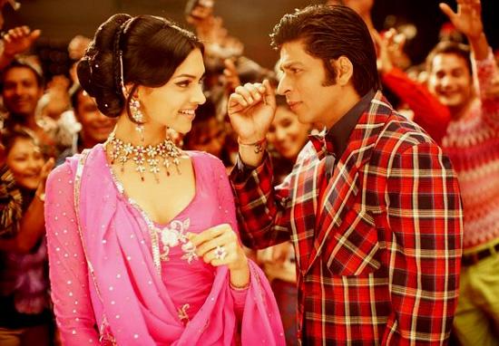 Deepika and SRK still from the movie Om Shanti Om.