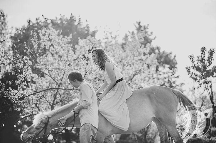 http://dreameyestudio.pl/ #dreameyestudio #couple #engagement #horse #ridingahorse