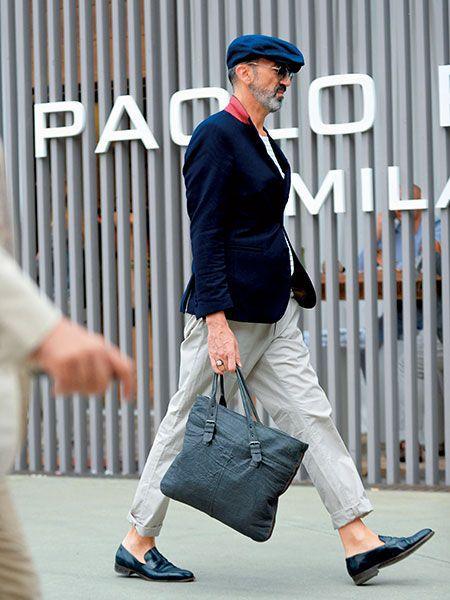 ブルー系×ホワイト系+クルーネックカットソーが好印象!08 | メンズファッションの決定版 | MEN'S CLUB(メンズクラブ)