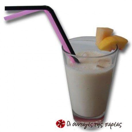 Ένα υπέροχο δροσιστικό ποτό για τις ζεστές μέρες του καλοκαιριού, με βελούδινη γεύση και πολλές βιταμίνες! Εύκολο, γρήγορο και απολαυστικό.