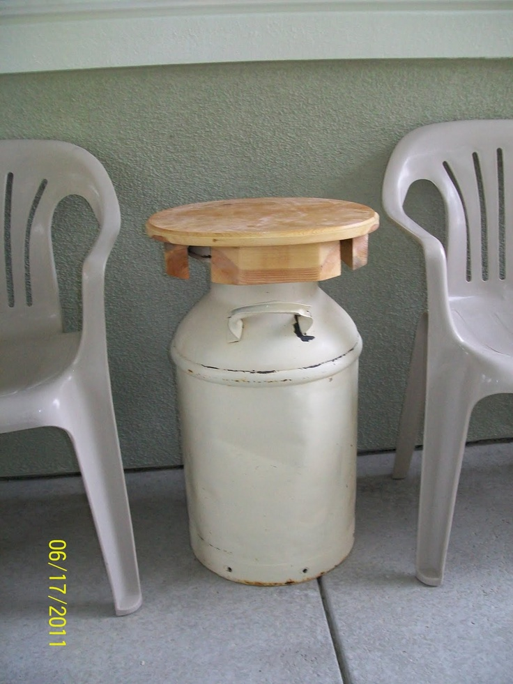 Pin by marika grabe on kreatiewe kussings meubels pinterest for Milk can table ideas