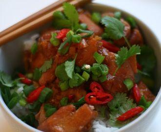 Vietnamilainen karamelli-inkiväärikana - Ga Kho