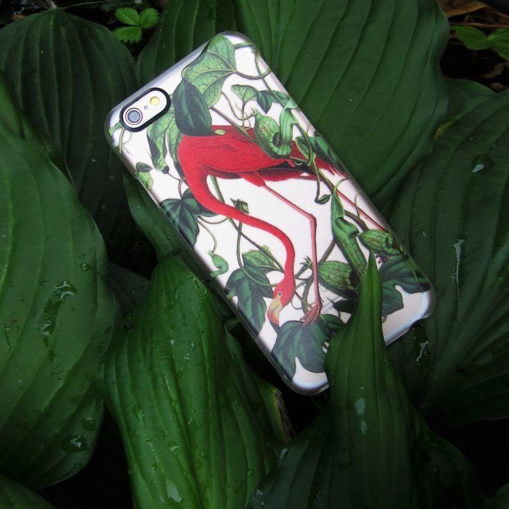 Set a tropical vibe everywhere you go with our Flamingo transparent case…