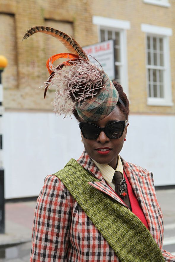 Stunning headwear at the London Tweed Run 2014, photo by @Vintage To Runway