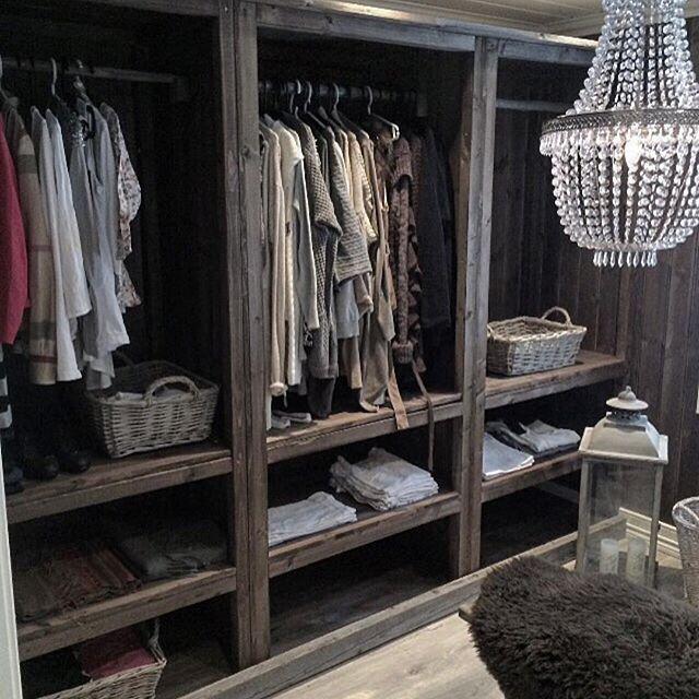 Best 25+ Rustic closet ideas on Pinterest   Rustic closet ...