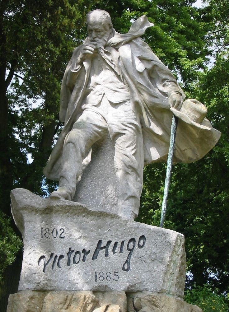 :Victor Hugo statue Guernsey