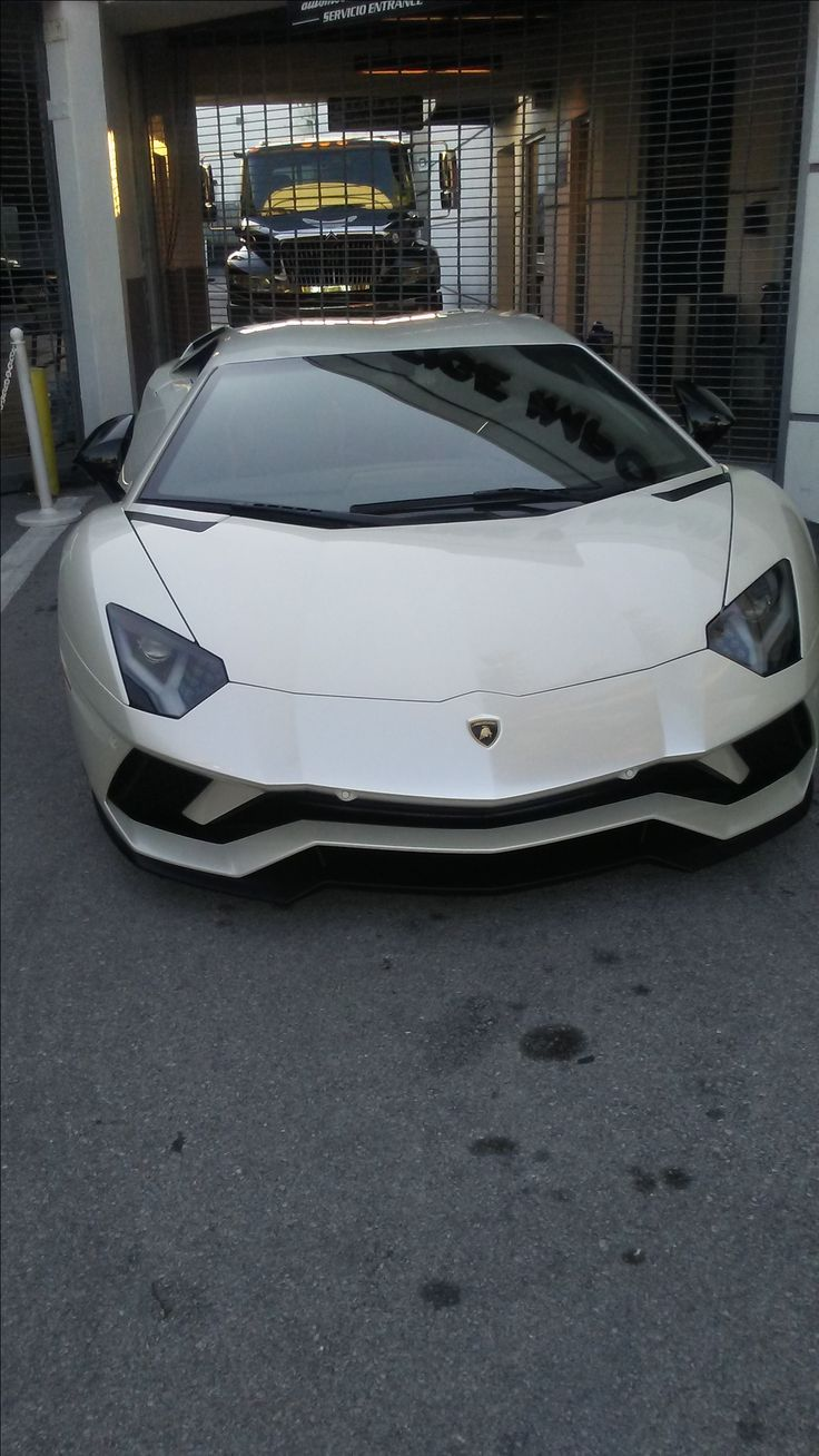 The new lamborghini aventador s is out and I went down to my local lamborghini dealership to  check it out in person.